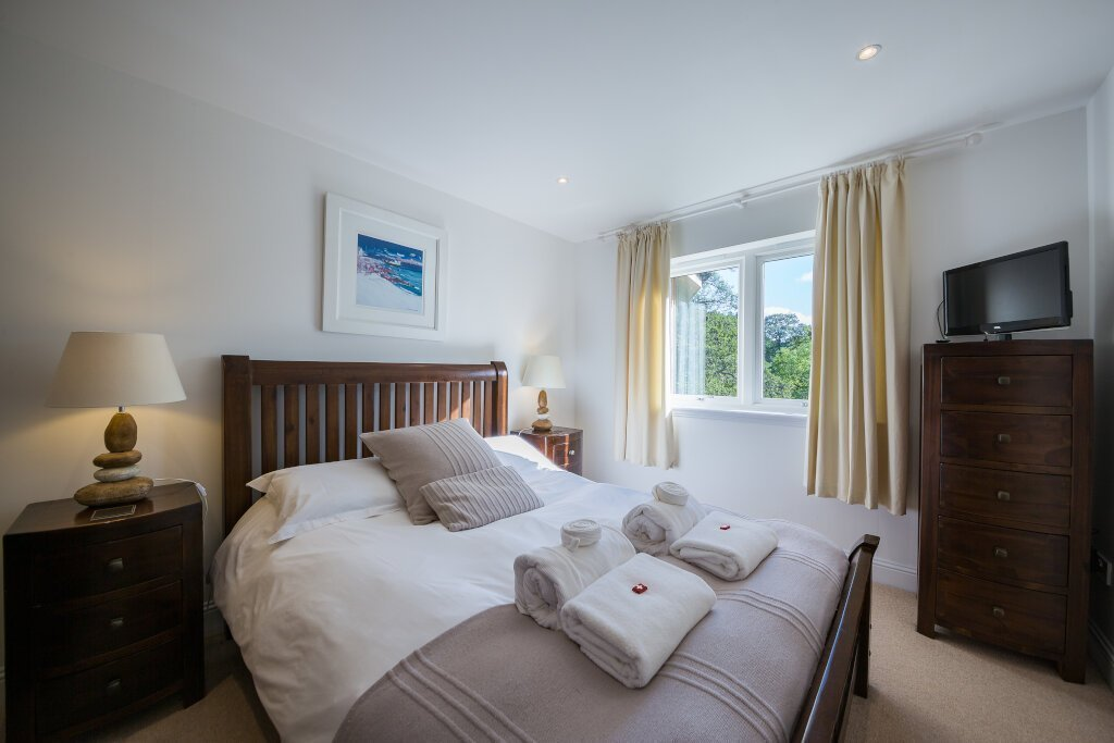 Glen Lochay Lodge King Bedroom