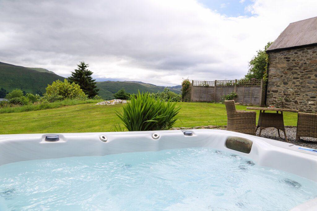 hot tub lodge at loch tay in scotland